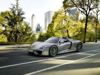 Объявлены китайские цены на автомобиль Porsche 918 Spyder