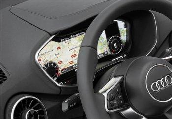 В Audi TT вместо приборной панели стоит сенсорный дисплей