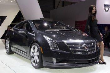 Гибридный Cadillac ELR не хотят продавать