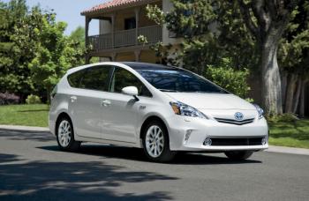 Toyota отзовет два миллиона автомобилей марки Prius
