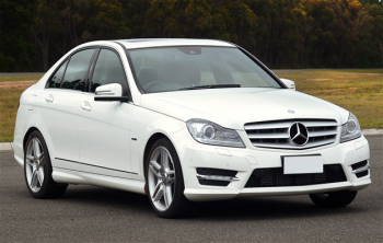 Седан Mercedes-Benz C-Class стал длиннее на 8 сантиметров