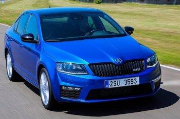 Skoda Octavia стала победителем премии «Автомобиль года в России 2014» в среднем классе