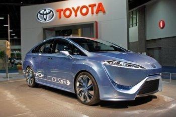 Производство водородных автомобилей Toyota начнется в конце 2014 года