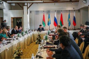 Белоруссия продолжает консультироваться с Украиной относительно таможенных пошлин
